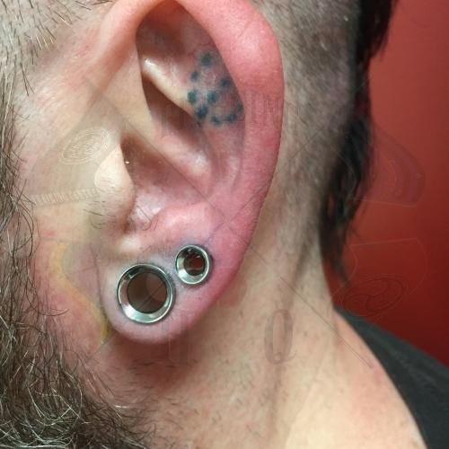Ear Piercing Hq